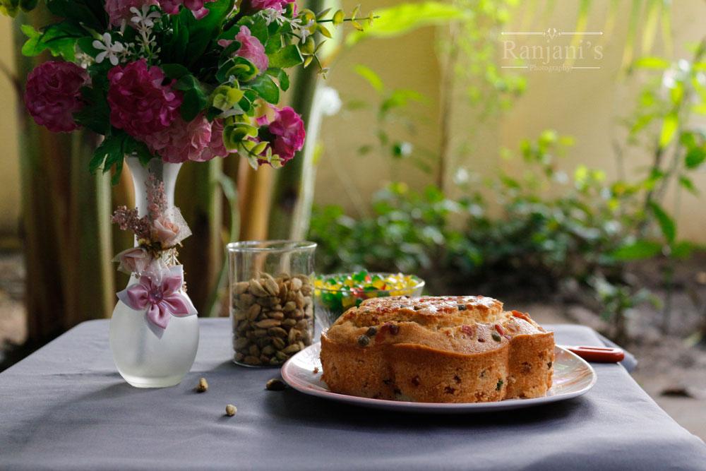 Cardamom tutti frutti cake | Eggless tutti frutti cake
